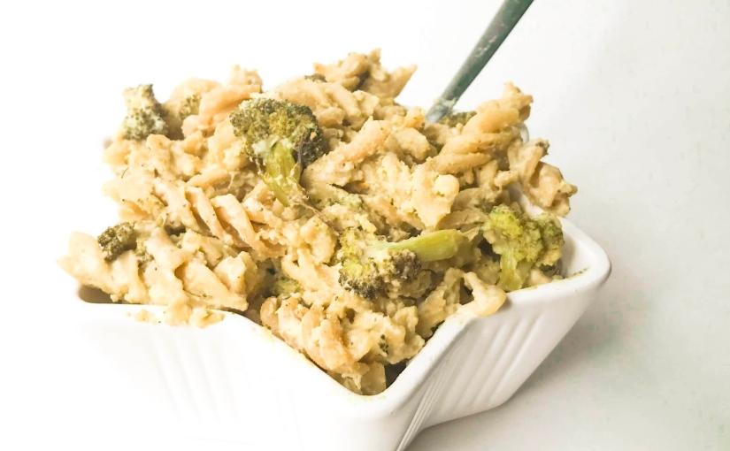 """""""Cheesy"""" Pasta with Roasted Broccoli(V)"""